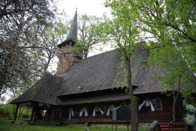 (cod 3128) Biserica de lemn de la Hărnicești, comuna Desești