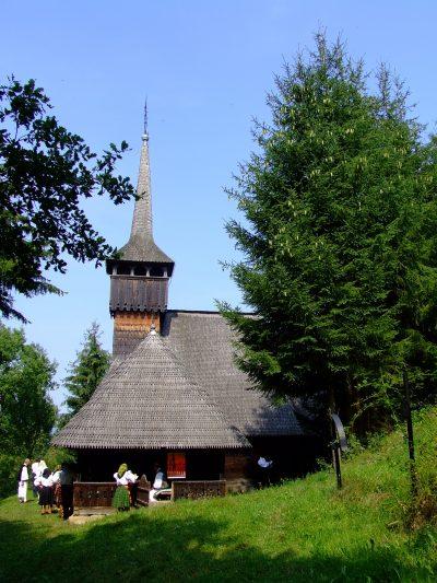 (cod 3110) Biserica de lemn din Călinești – Căeni