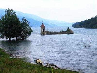 (cod 4815) Biserica de sub lacul Beliș
