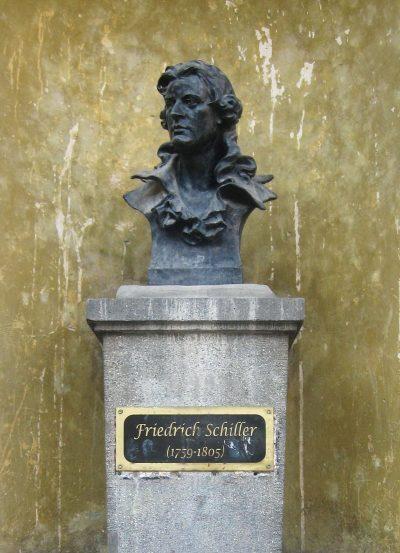 (cod 3864) Bustul lui Friedrich Schiller din Piața Schiller