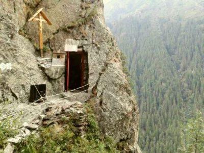 (cod 3399)  Chilia Părintelui Arsenie Boca, Sâmbăta de Sus