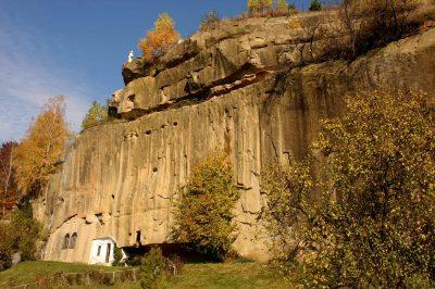 (cod 4514)  Mănăstirea Corbii de Piatră