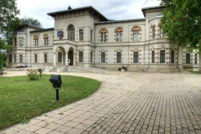 (cod 3940) Muzeul de Artă Vizuală