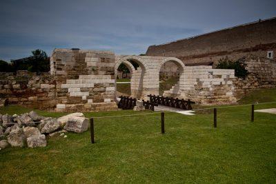 (cod 2326)  Apulum, castrul roman