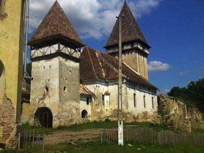 (cod 3841) Biserica Fortificata de la Veseud