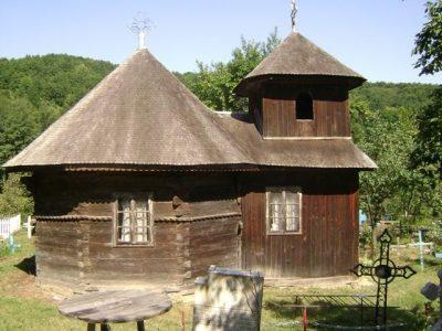 (cod 3682) Biserica de lemn din Anghelești