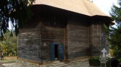 """(cod 3630) Biserica de lemn """"Adormirea Maicii Domnului """" sat Lărgăşeni"""