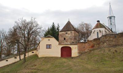 (cod 3833) Biserica fortificată de la Alţâna