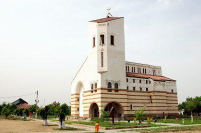 (cod 3374)  Biserica ortodoxă din Dumbrăvița