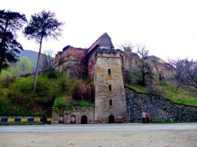 (cod 3883) Castelul Turnul Roșu din Boița