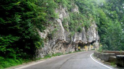 (cod 2435) Cheile Minișului, Valea Almajului