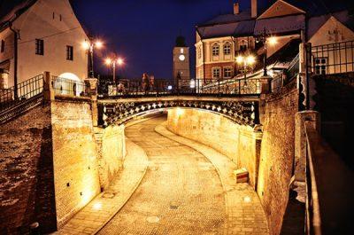 (cod 4321) Podul Minciunilor
