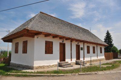 (cod 5217)  Prima Şcoală Românească din Sfântu Gheorghe