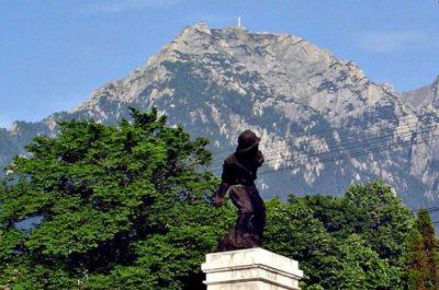 (cod 3778) Stațiunea Poiana Țapului și Monumentul Ultima  Grenadă, Bușteni